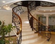 Кованые лестницы для изысканного интерьера